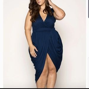 New with tags gorgeous plus sized dress